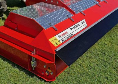 LocTEK roller retention system & quick and easy height adjustment