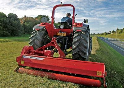 Hydraulic sideshift is perfect for manoeuvring hard to reach areas, offering versatility
